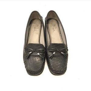 3for$10 Life Stride | Black Loafers